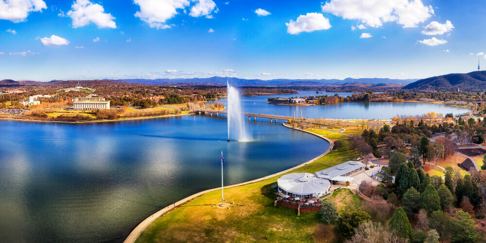 Top day trips from Sydney. Canberra