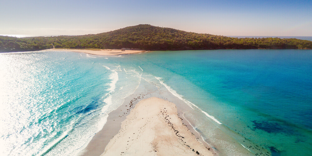 Top day trips from Sydney. Port Stephens Bay